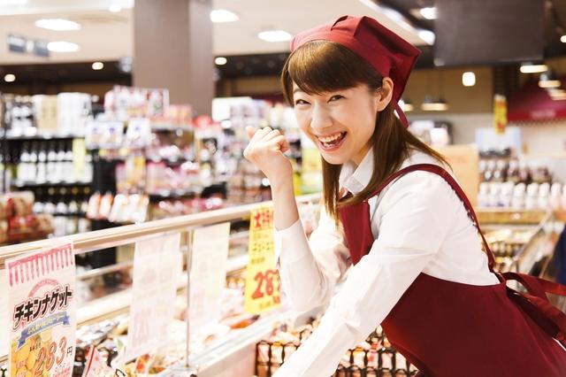 スーパー店員さんとPOP広告